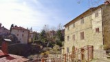 281-House-in-Poppi-Tuscany-10