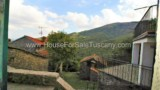 635-House-in-a-typical-Tuscan-village-17