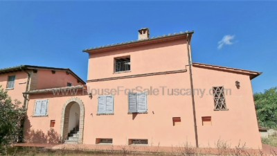 House in a Borgo - with all services in Tuscany for sale